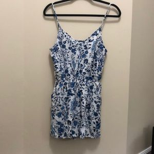 Lightly used romper with pockets